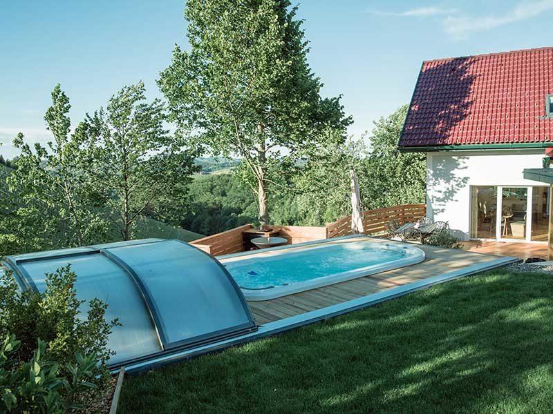 SwimSpa im Garten – Urlaub im Grünen